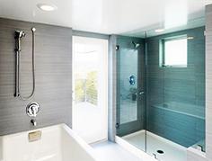 Сатиновый натяжной потолок в ванную